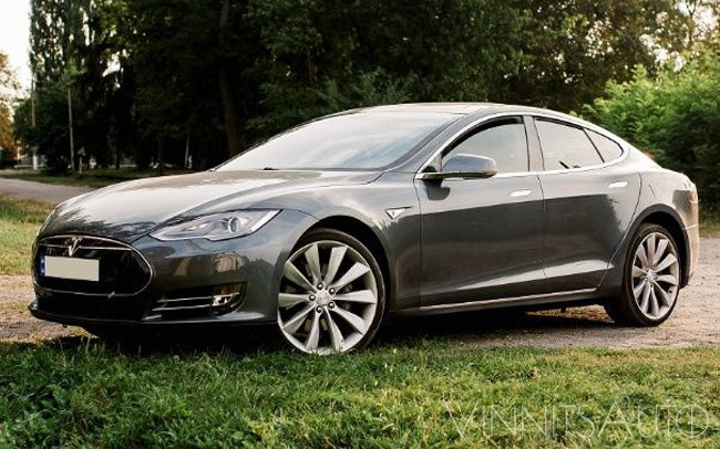Аренда Tesla Model S на свадьбу Винница